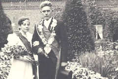 1937_Königspaar_Heinrich_Kleideiter,_Maria_Baumeister