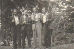 1948_Sommerfest_vl._,_NN,_Franz_Bowe,_Helmut_Kroschner,_Karl_Specking