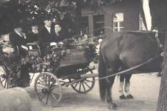 1949_Ehrenkutsche_Anton_Schlätker,_Alois_Duttmann,_Präsident_Temming,_Rektor_Eversmann