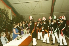 1984_Offizierskorps_gratuliert