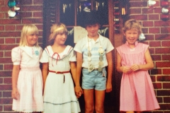 1986 Kinderkönig Matthias Hemker und Sandra Elsbernd, EhrengefolgeKerstin Worth und Petra Steens