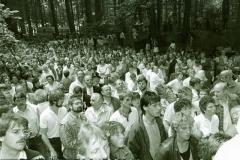 1986_Das_Schützenvolk_wartet_auf_den_Königschuß_