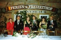1986_Konigsthron_Waltraud_und_Herbert_Kolski,_das_Königspaar,_Christel_Kockentiedt_und_Burkhard_Steens_